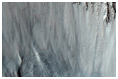 Well-Preserved 3-Kilometer Diameter Impact Crater in Terra Sirenum