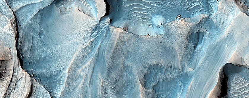 Possible Cyclic Bedding within a Crater in Arabia Terra