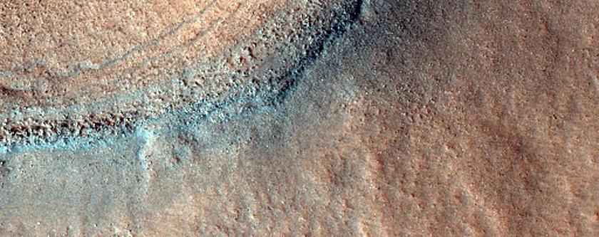 Small Impact Crater in Acidalia Planitia