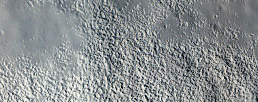 Channels on Crater Rim in Arabia Terra