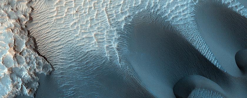 Twenty Kilometer Crater in Meridiani Planum Exposing Layers