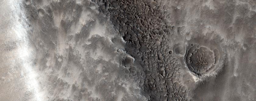 Fractured Ground in Arabia Terra