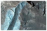 Diversidade de rochas sedimentares na cratera Terby