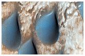 Copernicus Krateri'ndeki yağmur damlası şeklini almış kumlar