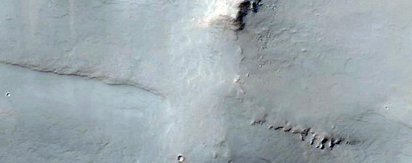 Μεταβολές Λευκαύγειας στο Ανατολικό Οροπέδιο του Δαίδαλου (Daedalia Planum)