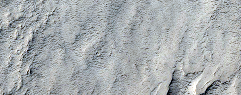Layers in Flammarion Crater