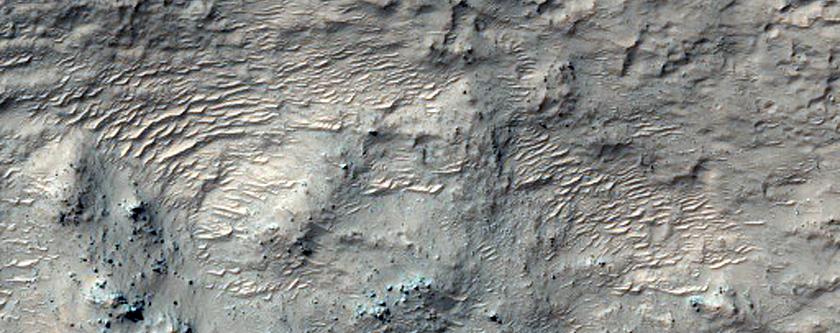 Hellas Planitia'nın kuzeybatısında bulunan hidratlaşmış silikalara sahip olduğu düşünülen maddeler