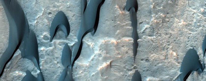 Mclaughlin Crater Dunes