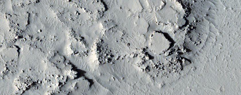 Fractured Mesa in Elysium Planitia