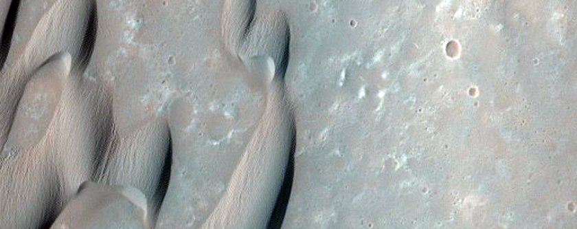 Herschel Crater Dunes Change Detection