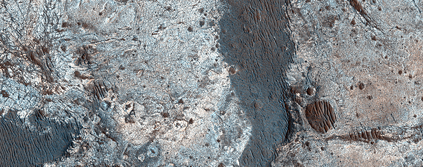 Clays along the Coprates Chasma Plateau