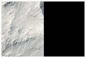 מכתש פגיעה ב-אברנוס דורסא (Avernus Dorsa)