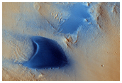 Dunes and Wind Streaks in Arabia Terra