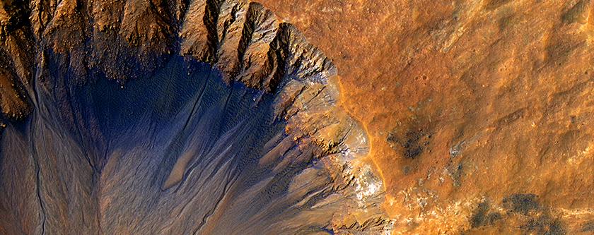 A Fresh Crater near Sirenum Fossae