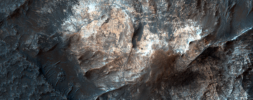 Ridges and Light-Toned Outcrops North of Atlantis Chaos
