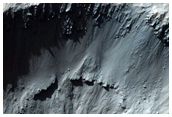 Well-Preserved 1 to 2 Kilometer Impact Crater