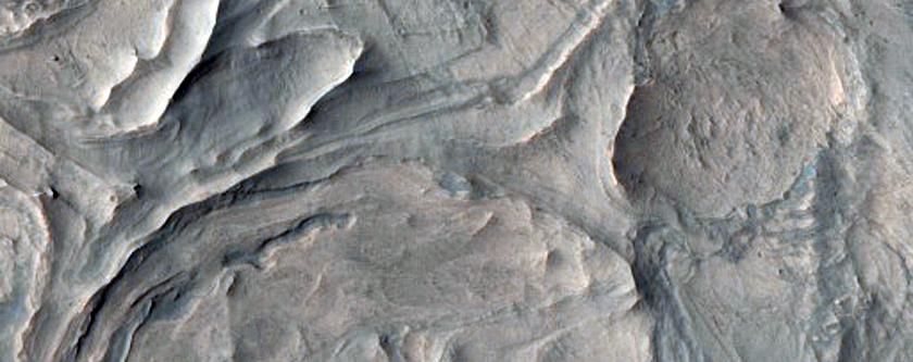 Ius Chasma Hydrated Mineralogy