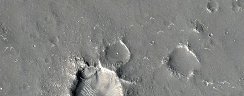 Subtle Scarp in Utopia Planitia