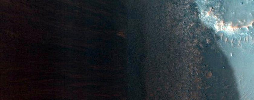 Crater in Kasei Valles