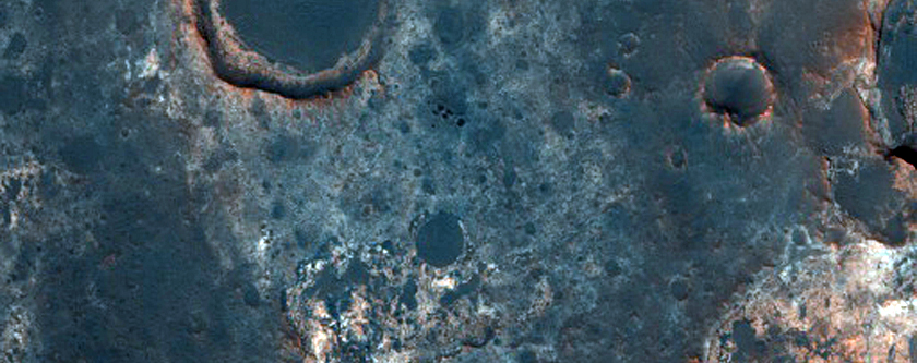 Candidate Landing Site for 2020 Mission in Oyama Crater