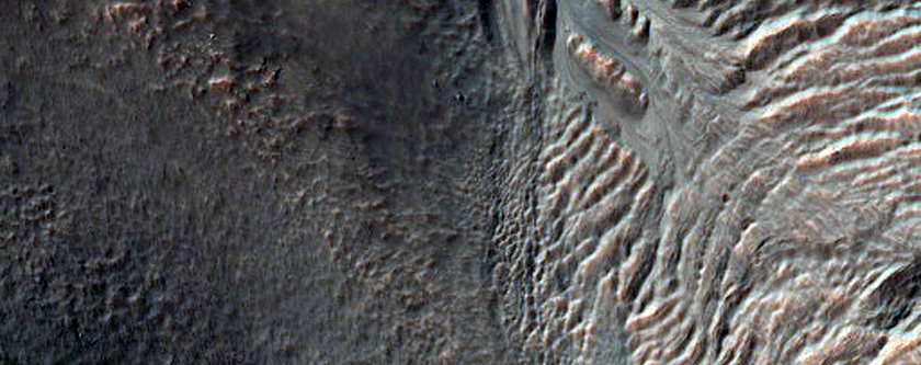Gullies and Lobate Material on Massif in Nereidum Montes