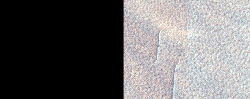 Pits on Floor of Mad Vallis
