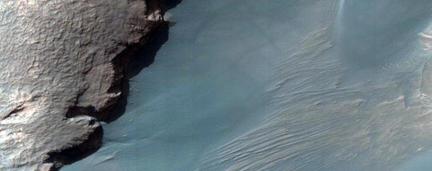 Склон и дюна в кратере Rabe