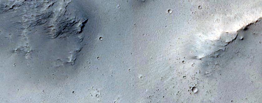 Landforms in Terra Sirenum