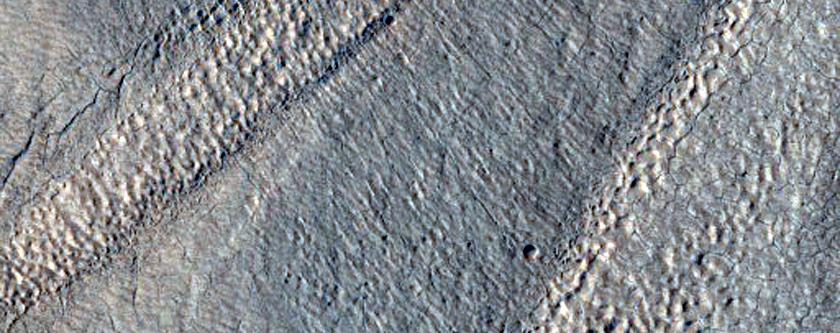 Linennow a Byttow yn Protonilus Mensae