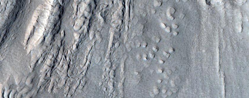 Glacialis fluxus vestigia in valle