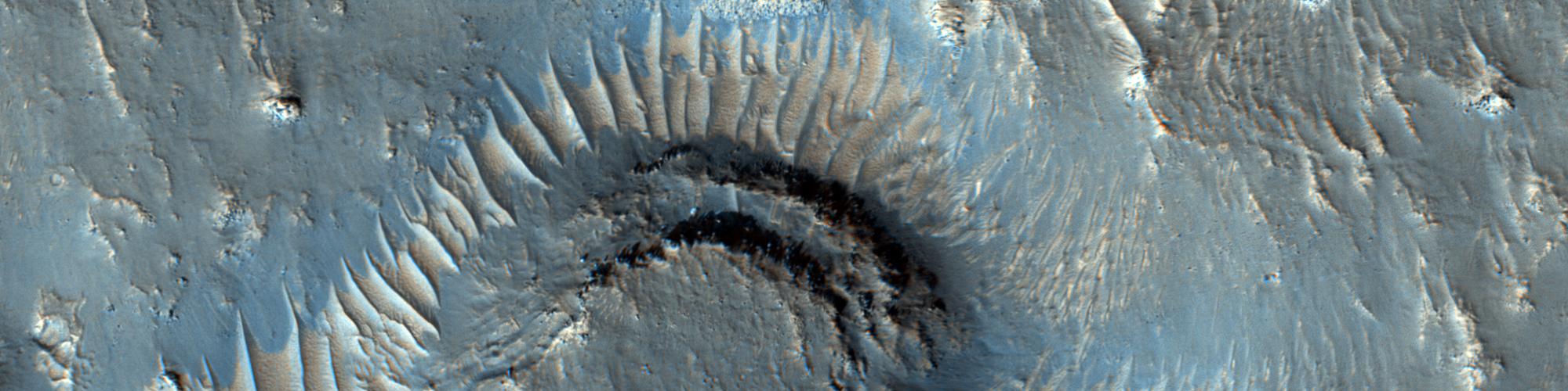 Oppstykket terreng nordvest for Elysium Mons