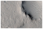 Flow Margin Enveloped around Raised Crater Rim