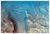 Monitor Slopes in Well-Preserved 6-Kilometer Impact Crater