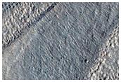 Fosses linéaires à Protonilus Mensae