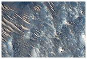 Cratere ben conservato sul fondo del Cratere Ehden