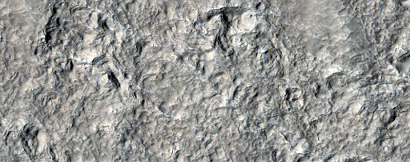 Ejecta of Well-Preserved Crater in Utopia Planitia
