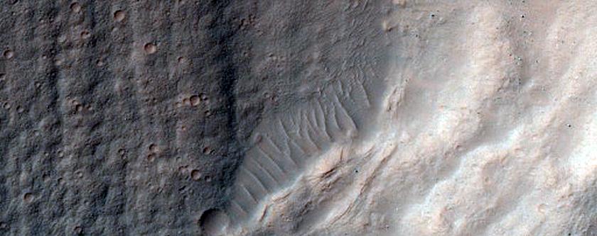 Large Crater in Hadriaca Patera