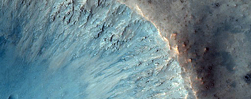 Fresh Crater North of Valles Marineris