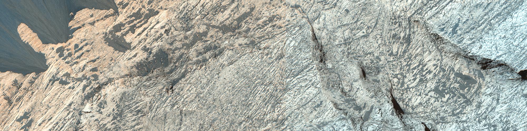 A Layered Mound in Juventae Chasma