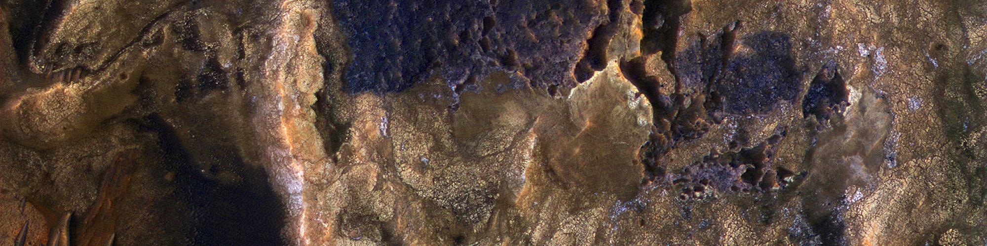 Godhesow Divers yn Melas Chasma