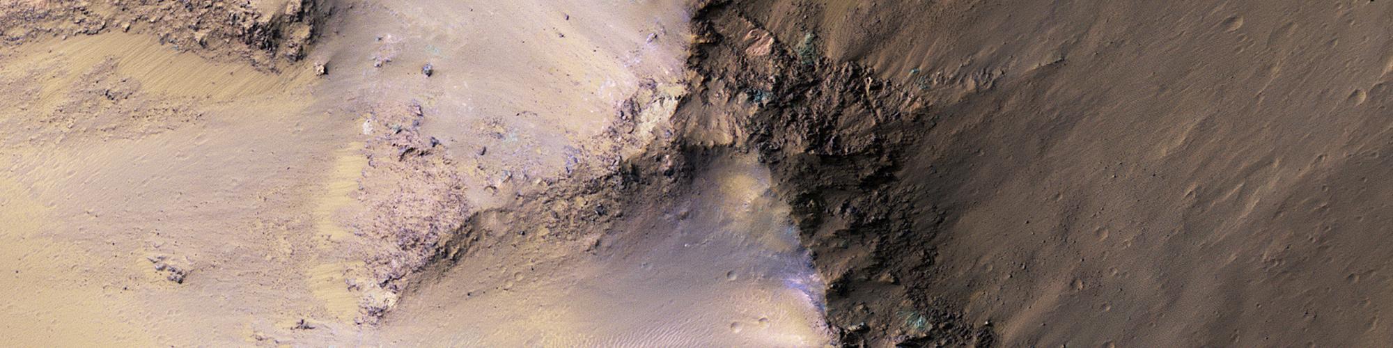 Hæðir í Ganges Chasma
