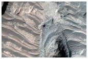 Substratum exposé dans le cratère Millochau