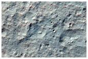 Depósito de deslizamiento de tierras dentro de un cráter de impacto