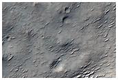 La sombra de la ladera de un cráter