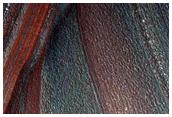 Scarpata ripida nel Chasma Boreale sul versante opposto al sito di una slavina