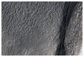 Brecha de saída de uma cratera bem preservada