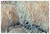 وديان صغيرة علي الهضاب في المنطقة الجنوبية المريخيةٰ