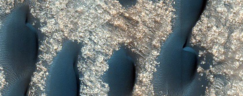 Dunes in Terra Cimmeria