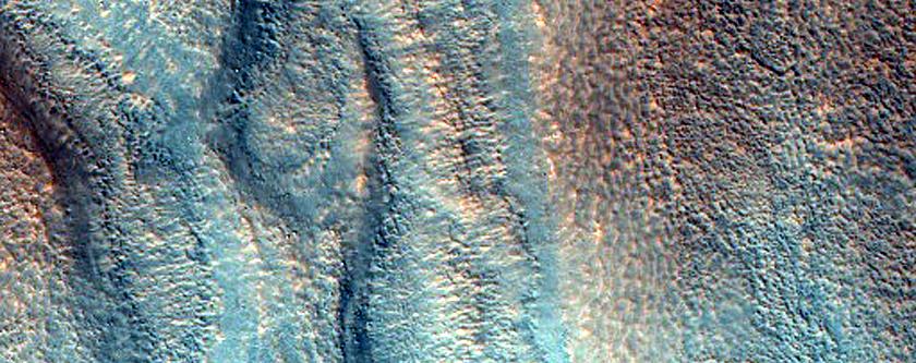 Troughs in Acidalia Planitia