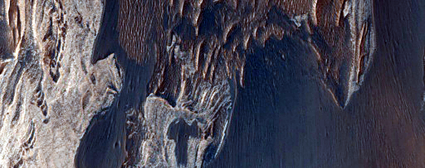 Stratified Material in Tithonium Chasma